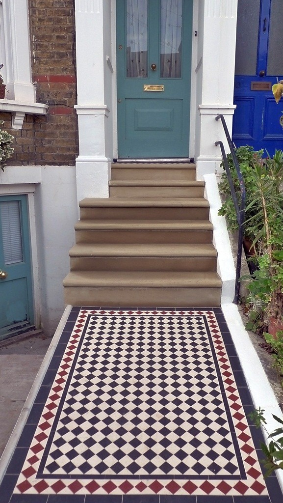 bullnose yorkstone steps and black and white mosaic
