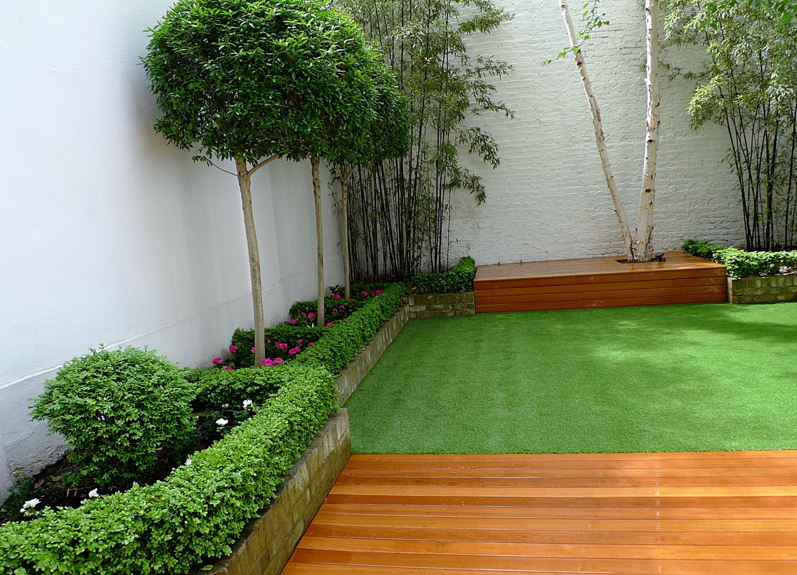 Grass london garden design for Garden design ideas artificial grass