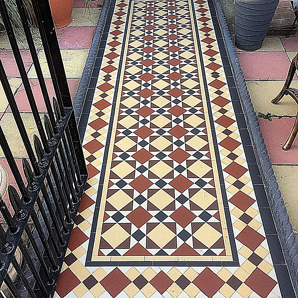 Multi colour Victorian Mosaic low maintenance path tile rope edge London Balham Clapham Wandsworth
