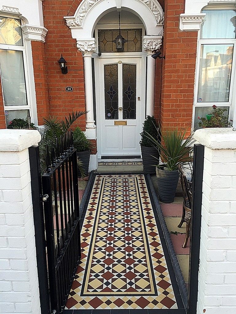 York Stone entrance metal gate wrouhgt iron rail path tile red white black colour mosaic design front London Balham Clapham Wandsworth