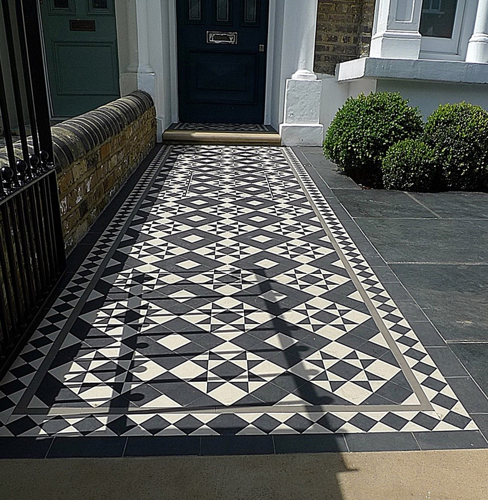 Slate Paving black and white mosaic London metal gate rails low maintenance tile Fulham Chelsea Kensington