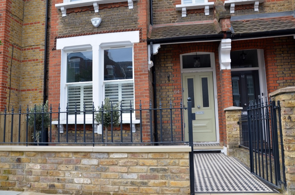 York stone Victorian Mosaic wrought iron gate rails planting wood fence London Clapham Battersea Earsfield
