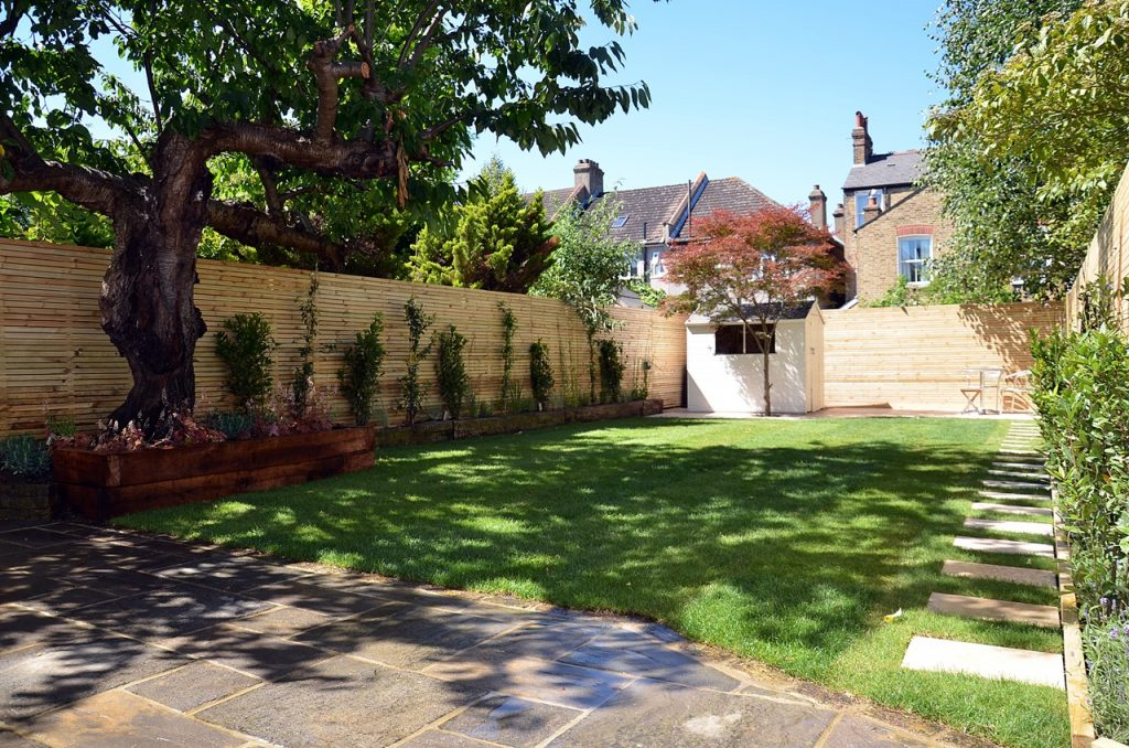 Artificial grass path paving privacy screen trellis tile London Chelsea Kensington Fulham