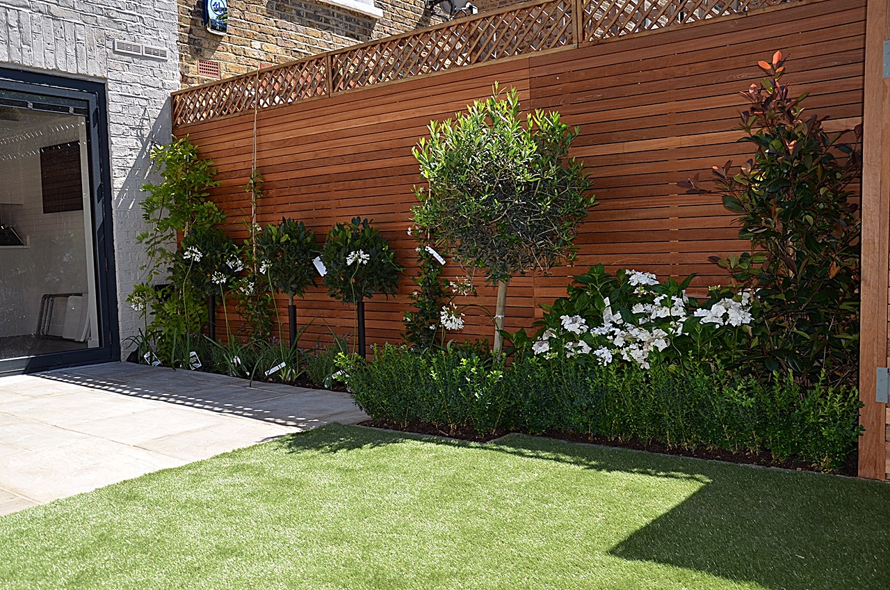 planting hardwood bespoke storage bike fake grass paving privacy screen london fulham chelsea. Black Bedroom Furniture Sets. Home Design Ideas