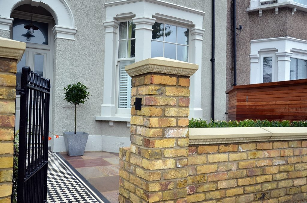 metal-gate-rails-brick-garden-wall-path-tile-front-modern-garden-london-fulham-chelsea-wandsworth