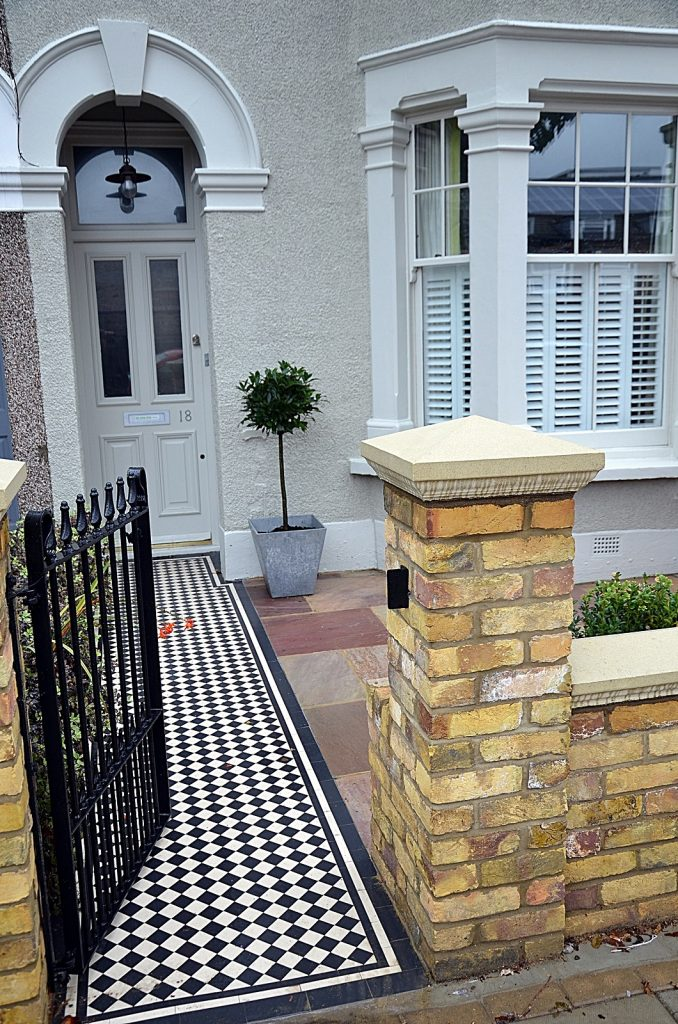 wrought-metal-rails-cap-coping-brick-wall-low-maintenance-london-fulham-chelsea-wandsworth