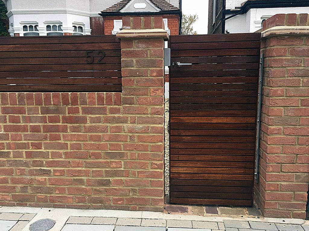 Front Automatic Gate Hardwood Screen London Fulham Chelsea
