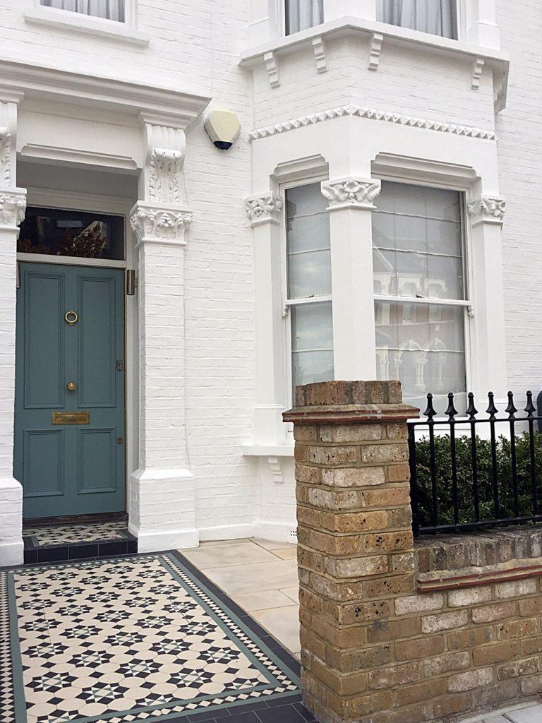 brick-garden-wall-edwardian-mosaic-planting-low-maintenance-privacy-screen-london-chelsea-fulham-mayfair