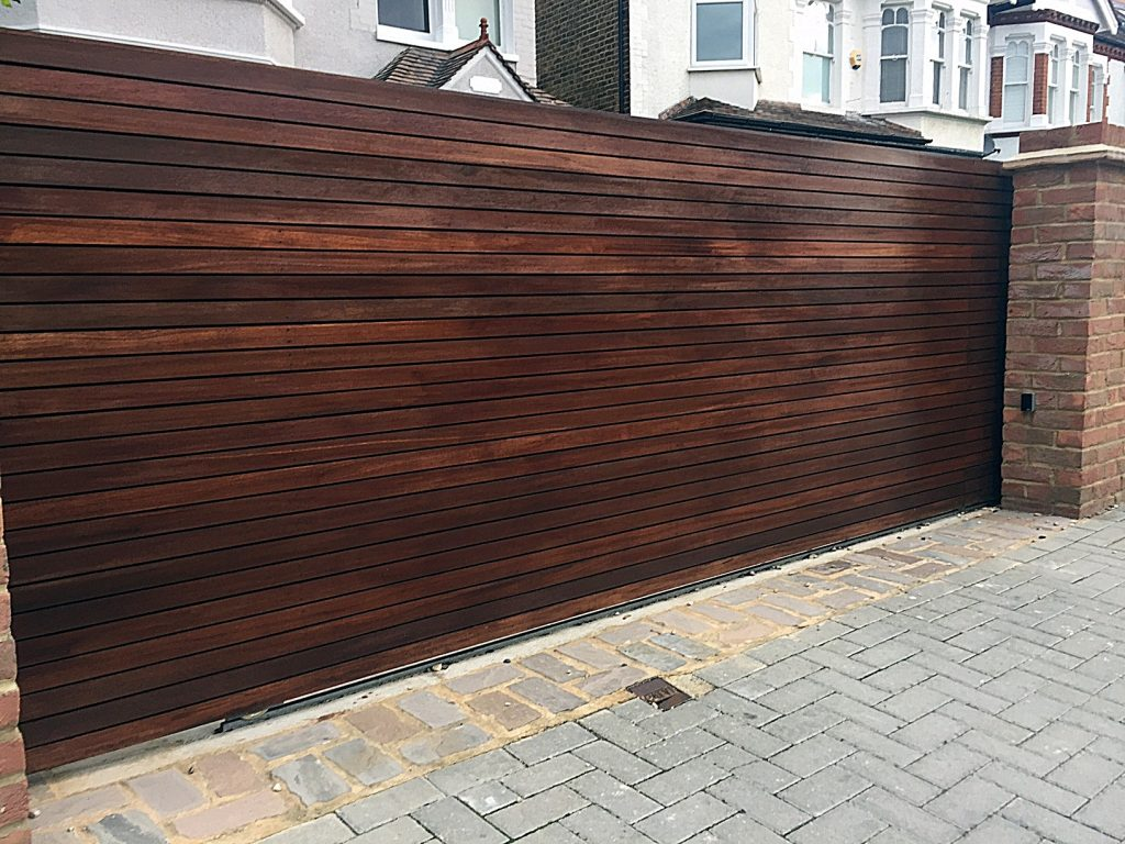 low-maintenance-front-fencing-hardwood-trellis-painting-london-balham-clapham-wandsworth-earsfield