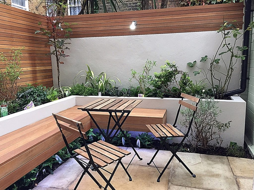low-maintenance-privacy-screen-small-patio-paving-tile-planting-raised-bed-white-trellis-london-clapham-wandsworth-balham