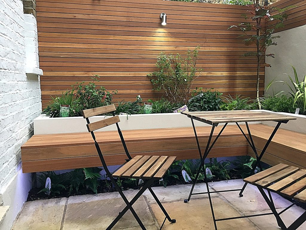 patio-privacy-screen-raised-bed-hardwood-lighting-planting-london-fulham-chelsea-kensington