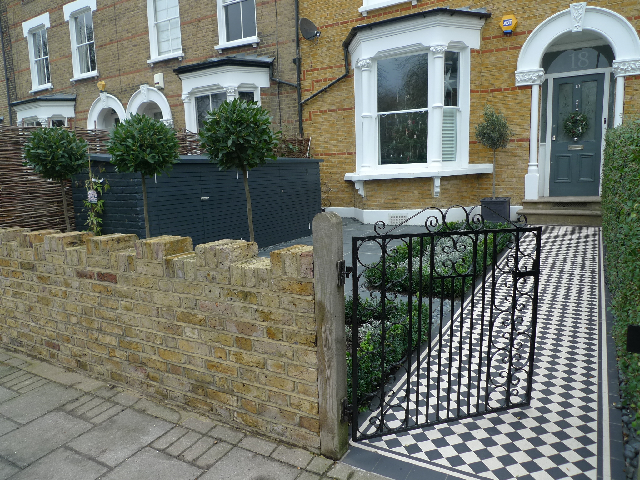 London garden design garden design for House brick garden wall designs